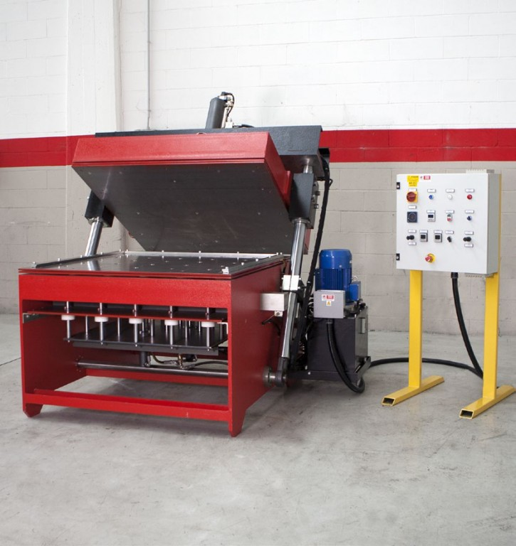 Single mould press